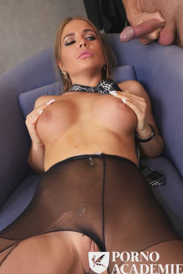 colegial-sapequinha-bem-safada-fazendo-sexo-10