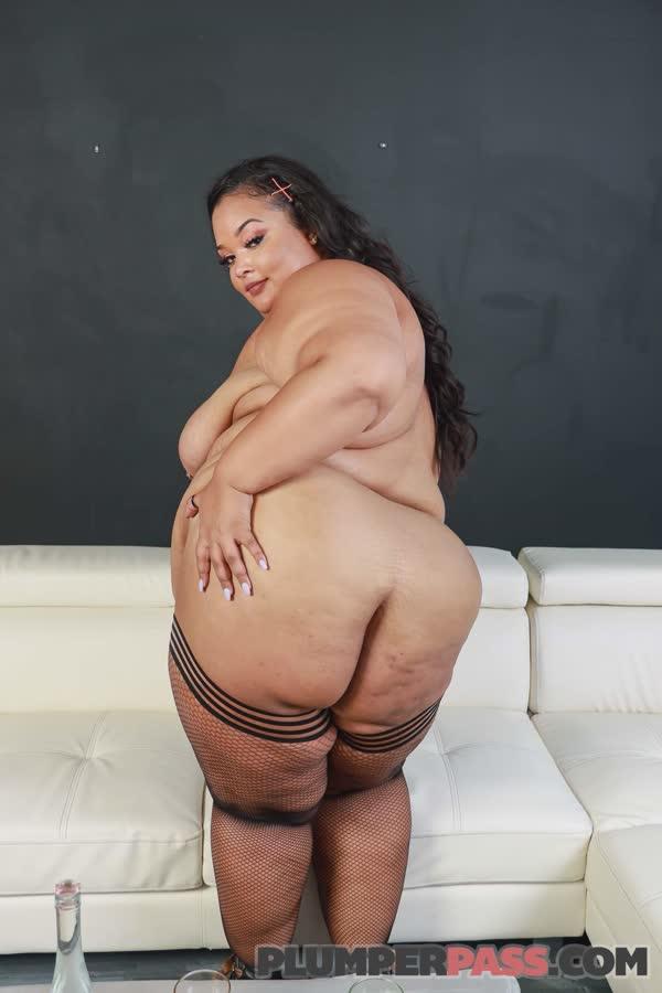 gorda-puta-possando-nua-43