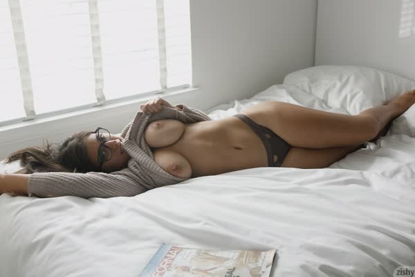 ella-knox-em-fotos-porno-23
