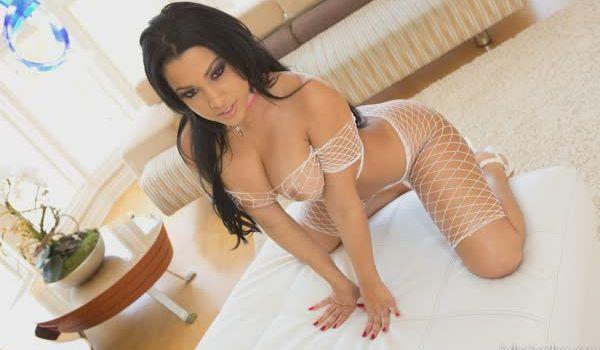 Imagem para Abella Anderson posando bem sexy