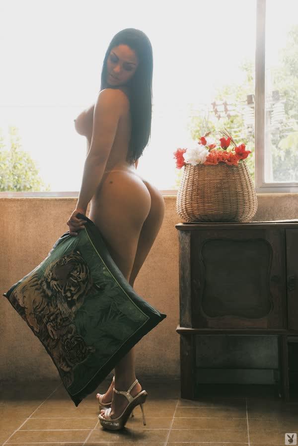 mulher-melancia-mostrando-o-corpo-gostoso-5